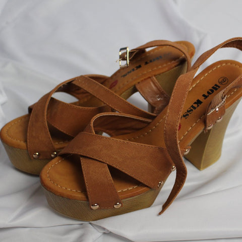 CLOSET SALE: Tan Platforms - Size 9