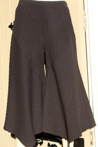 focus ladies black ribbed cotton culotte pants