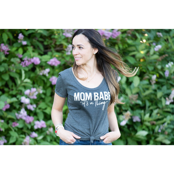 Mom Babe Women's Tee - Dapper Jacks