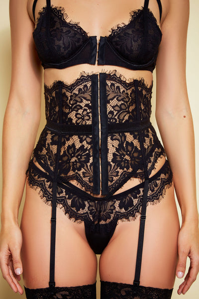 Lashing Out Waist Cincher
