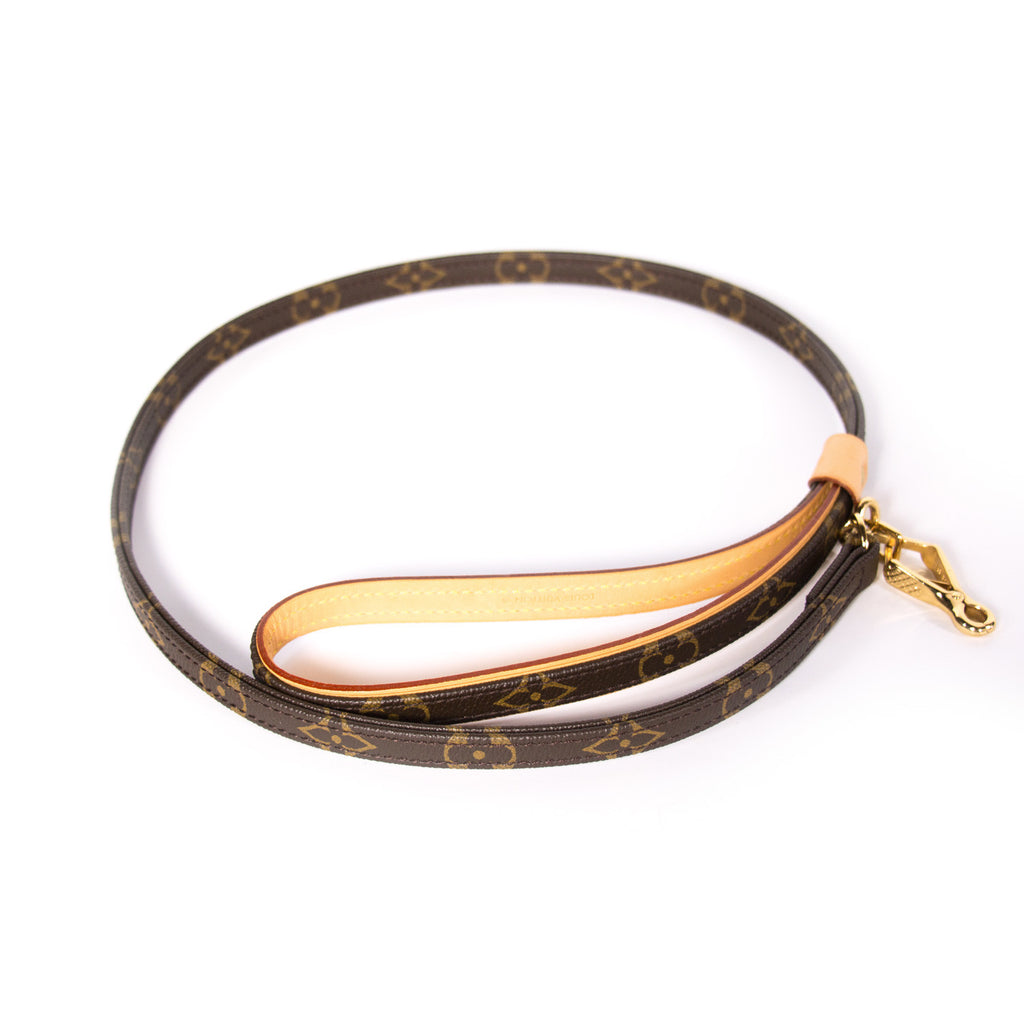 Louis Vuitton Baxter Dog Leash MM Accessories Louis Vuitton - Shop authentic new pre-owned designer brands online at Re-Vogue