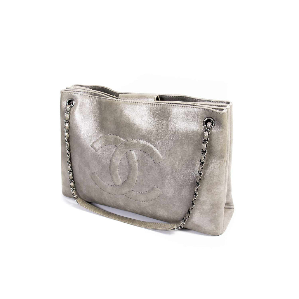 Chanel Iridescent Timeless Accordion Tote Bags Chanel - Shop authentic new pre-owned designer brands online at Re-Vogue