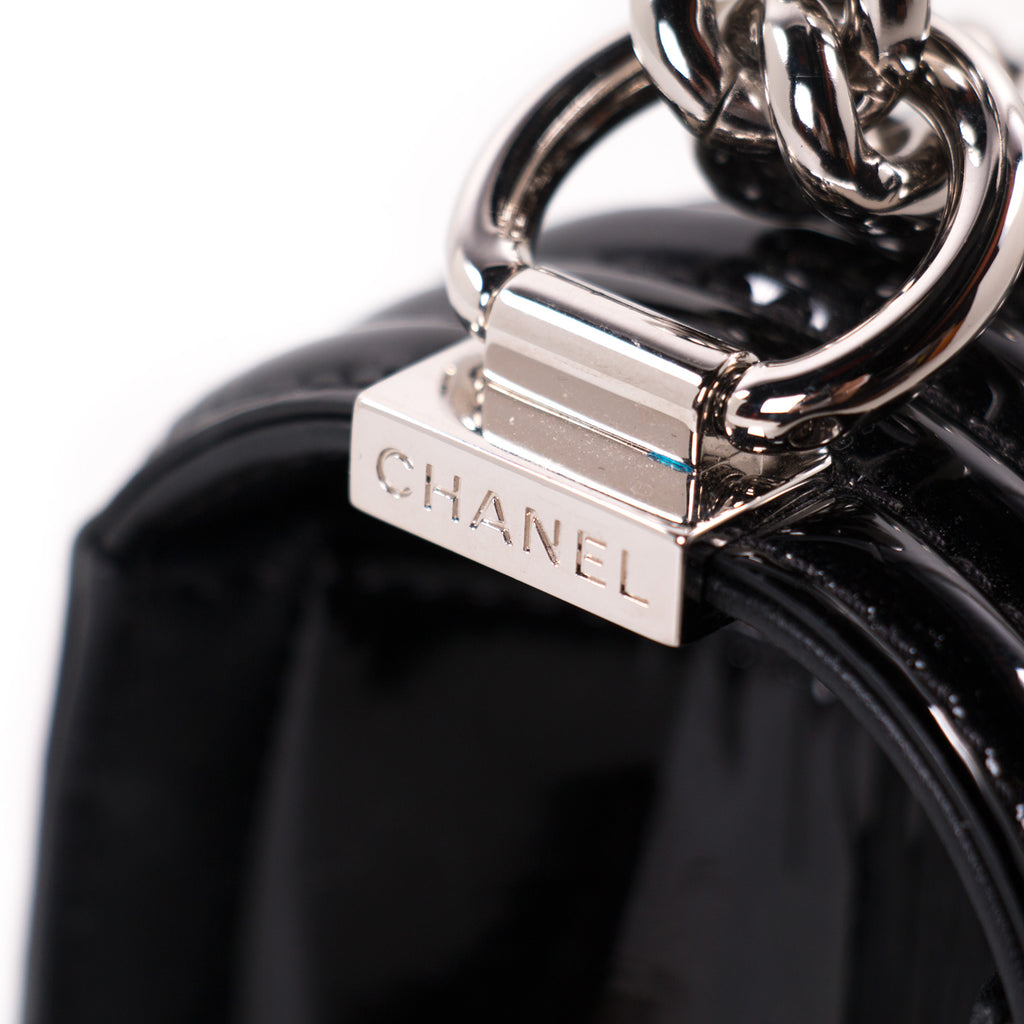 Chanel New Medium Boy Bag Bags Chanel - Shop authentic new pre-owned designer brands online at Re-Vogue