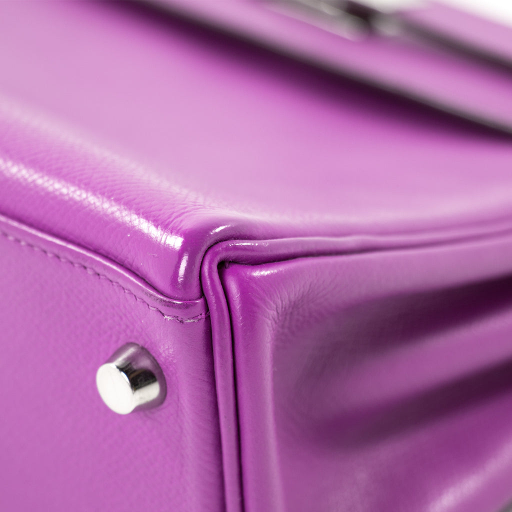Hermès Kelly 25 Retourne Violet Courchevel Bags Hermès - Shop authentic new pre-owned designer brands online at Re-Vogue