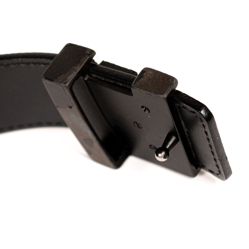 Louis Vuitton Taiga Leather Initiales Belt