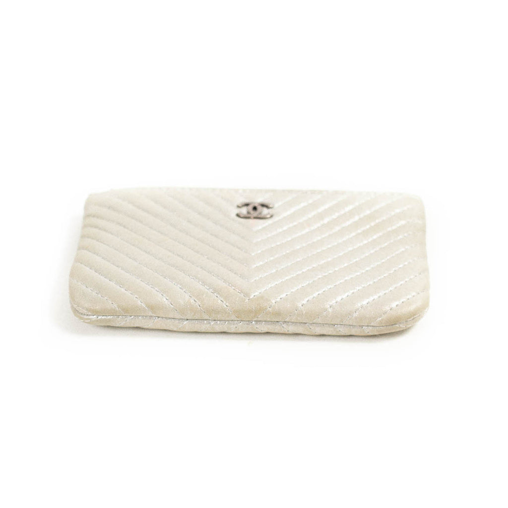 Chanel O Pouch Mini Case Accessories Chanel - Shop authentic new pre-owned designer brands online at Re-Vogue