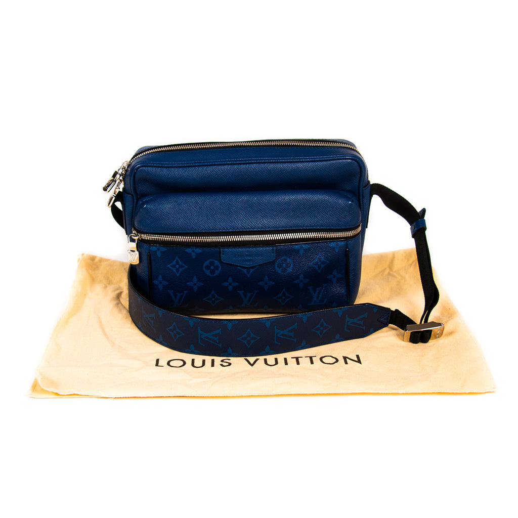 Louis Vuitton Taigarama Outdoor Messenger Bags Louis Vuitton - Shop authentic new pre-owned designer brands online at Re-Vogue