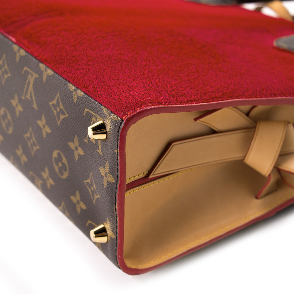 Louis Vuitton Shopping Bag Christian Louboutin Bags Louis Vuitton - Shop authentic new pre-owned designer brands online at Re-Vogue