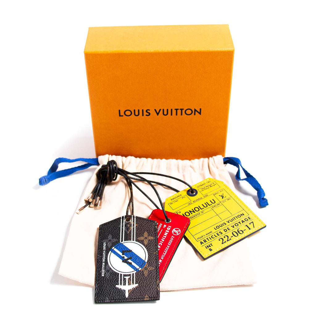 Louis Vuitton Monogram Outdoor Name Tags Set Accessories Louis Vuitton - Shop authentic new pre-owned designer brands online at Re-Vogue