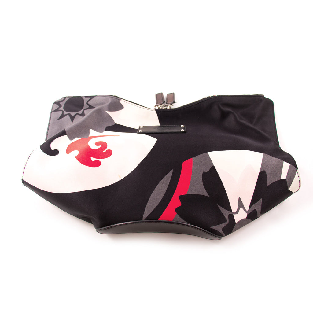 Alexander McQueen De Manta Printed Clutch Bags Alexander McQueen - Shop authentic new pre-owned designer brands online at Re-Vogue