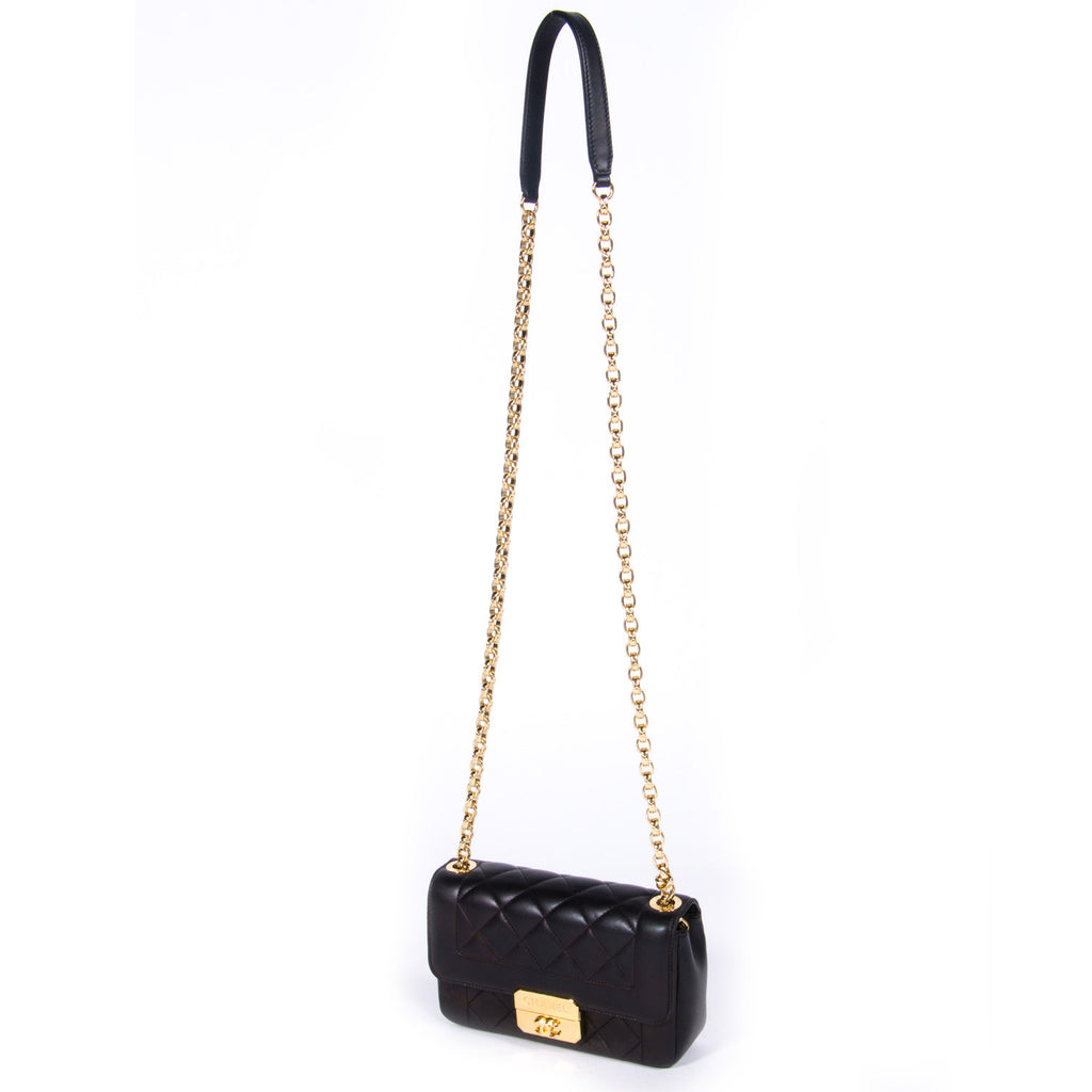 Chanel Chic With Me Small Bags Chanel - Shop authentic new pre-owned designer brands online at Re-Vogue