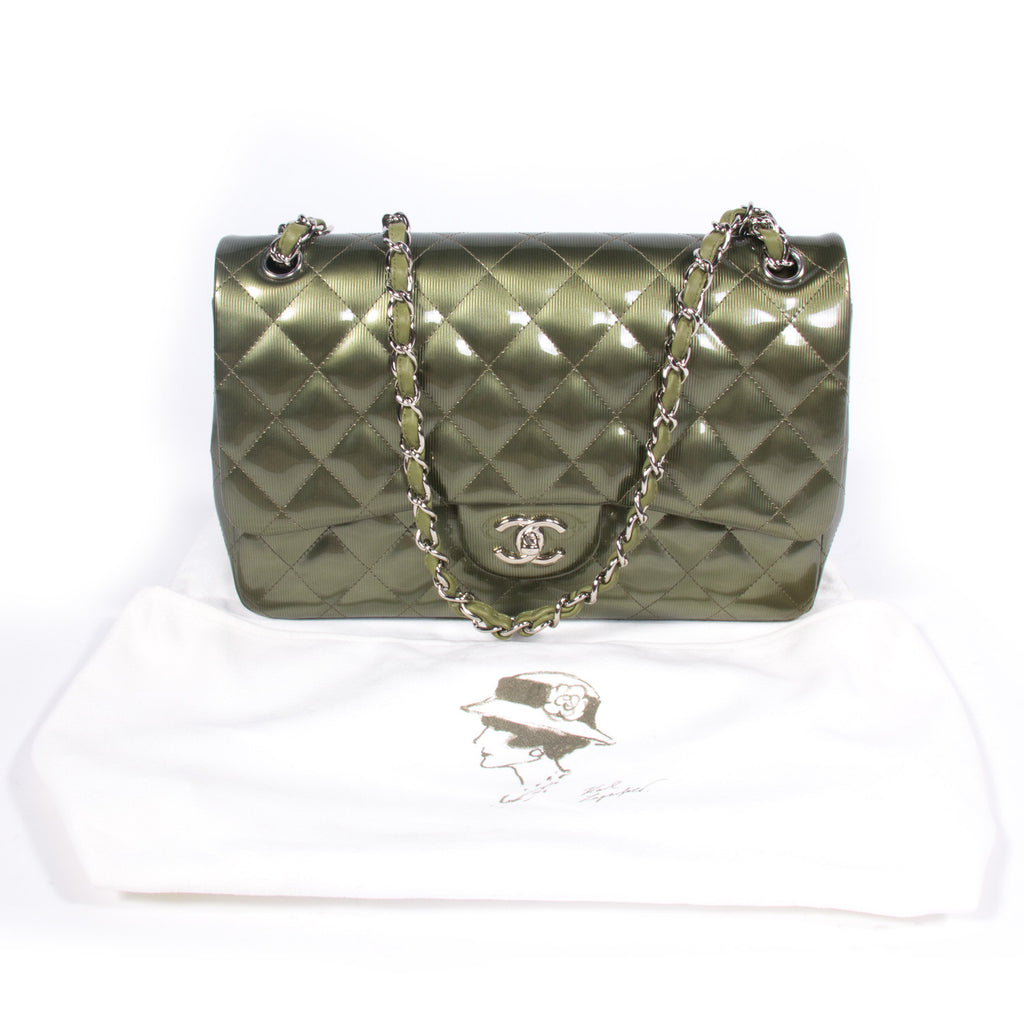Chanel Classic Jumbo Double Flap Bags Chanel - Shop authentic new pre-owned designer brands online at Re-Vogue