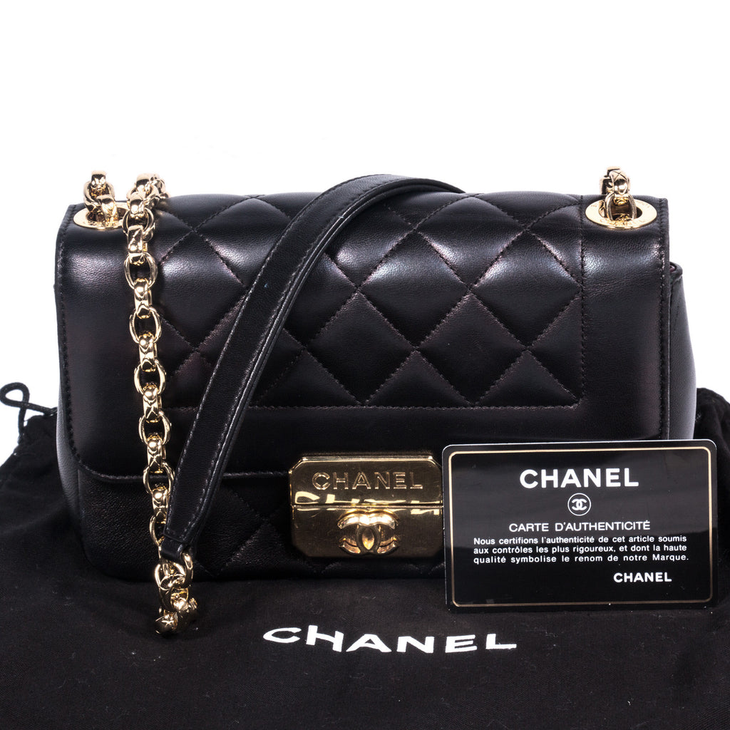 Chanel Chic With Me Small - revogue