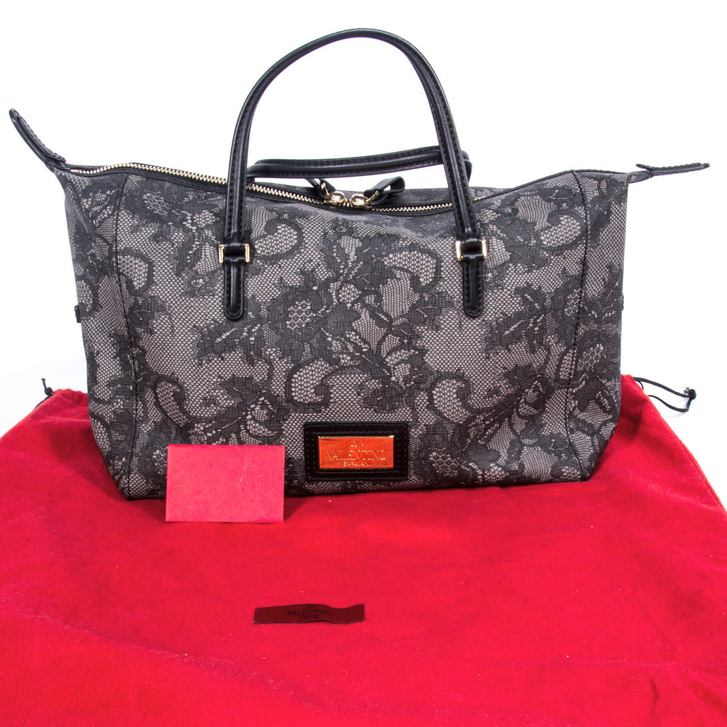 Valentino Floral Duffel Bag Bags Valentino - Shop authentic new pre-owned designer brands online at Re-Vogue