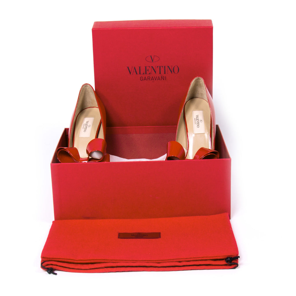 Valentino Bow D'Orsay Pumps Shoes Valentino - Shop authentic new pre-owned designer brands online at Re-Vogue