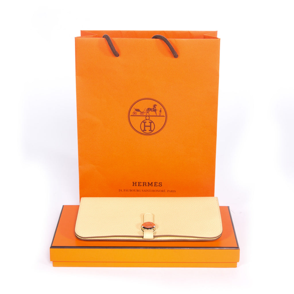 Shop authentic Hermes Recto Verso Dogon Wallet at Re-Vogue for just ...