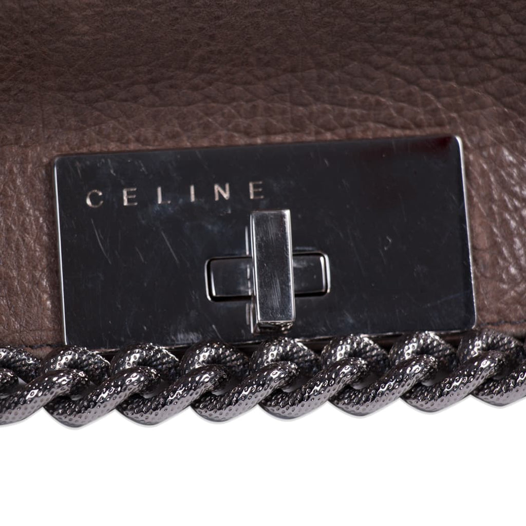 Céline Chain-Link Leather Shoulder Bag Bags Celine - Shop authentic new pre-owned designer brands online at Re-Vogue