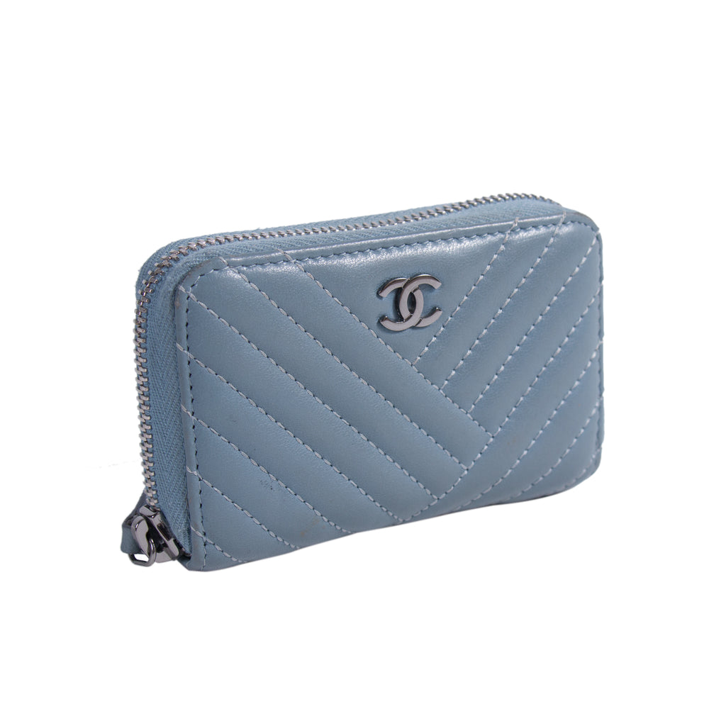 9f06035da5eb Shop authentic Chanel Lambskin Coin Purse at revogue for just USD 400.00