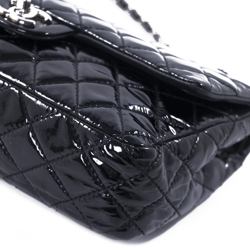 Chanel Classic Medium Double Flap Bag Bags Chanel - Shop authentic new pre-owned designer brands online at Re-Vogue