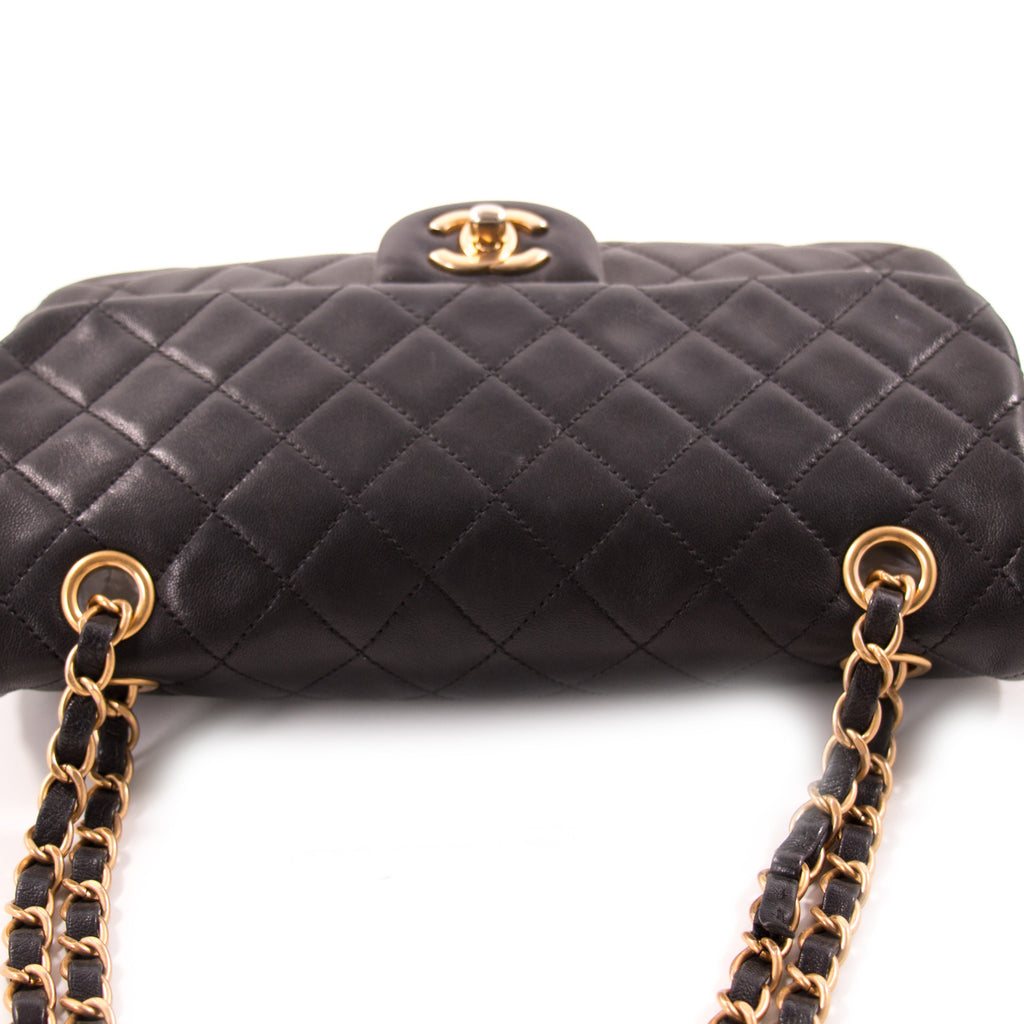 Chanel Small Classic Single Flap Bag Bags Chanel - Shop authentic new pre-owned designer brands online at Re-Vogue