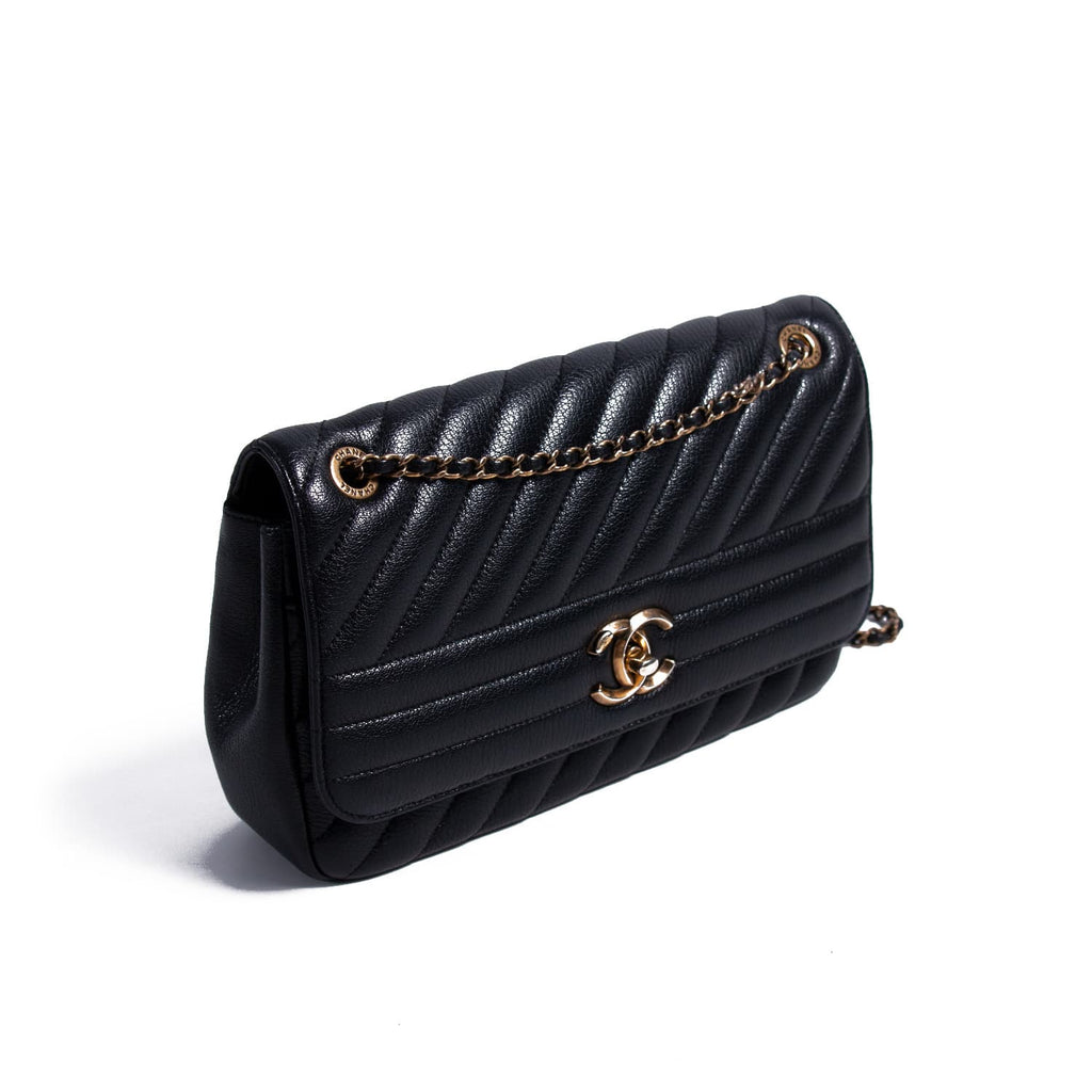 Chanel Quilted Leather Flap Bag Bags Chanel - Shop authentic new pre-owned designer brands online at Re-Vogue