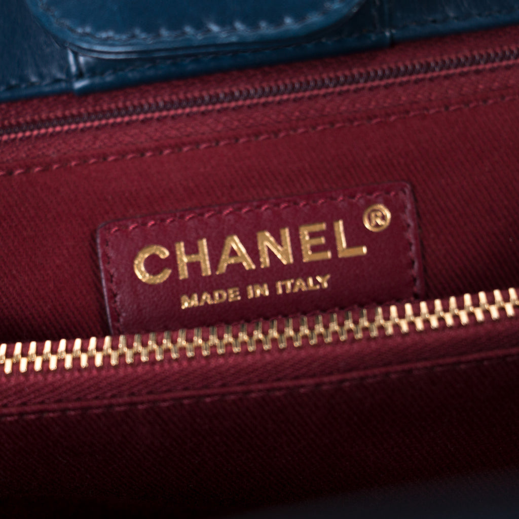 Chanel Denim and Leather Urban Mix Shopping Tote Bags Chanel - Shop authentic new pre-owned designer brands online at Re-Vogue