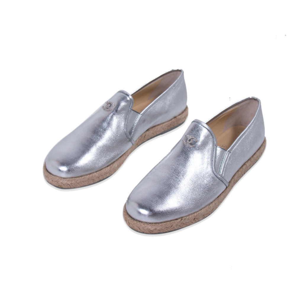 Chanel Silver Metallic Leather Espadrilles Shoes Chanel - Shop authentic new pre-owned designer brands online at Re-Vogue
