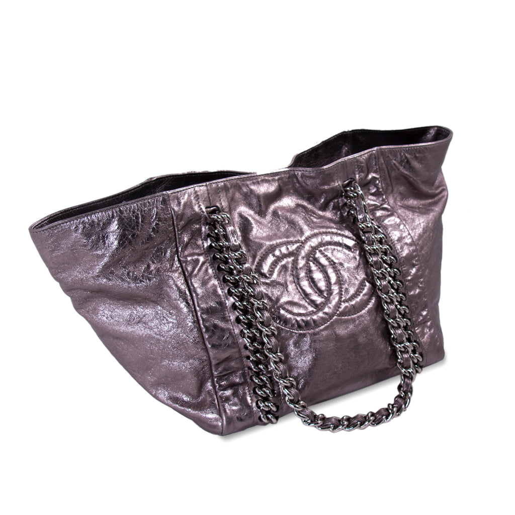 Chanel Large Modern Chain E/W Tote Bags Chanel - Shop authentic new pre-owned designer brands online at Re-Vogue