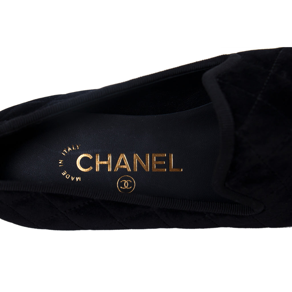 Chanel Quilted Velvet CC Loafers Shoes Chanel - Shop authentic new pre-owned designer brands online at Re-Vogue