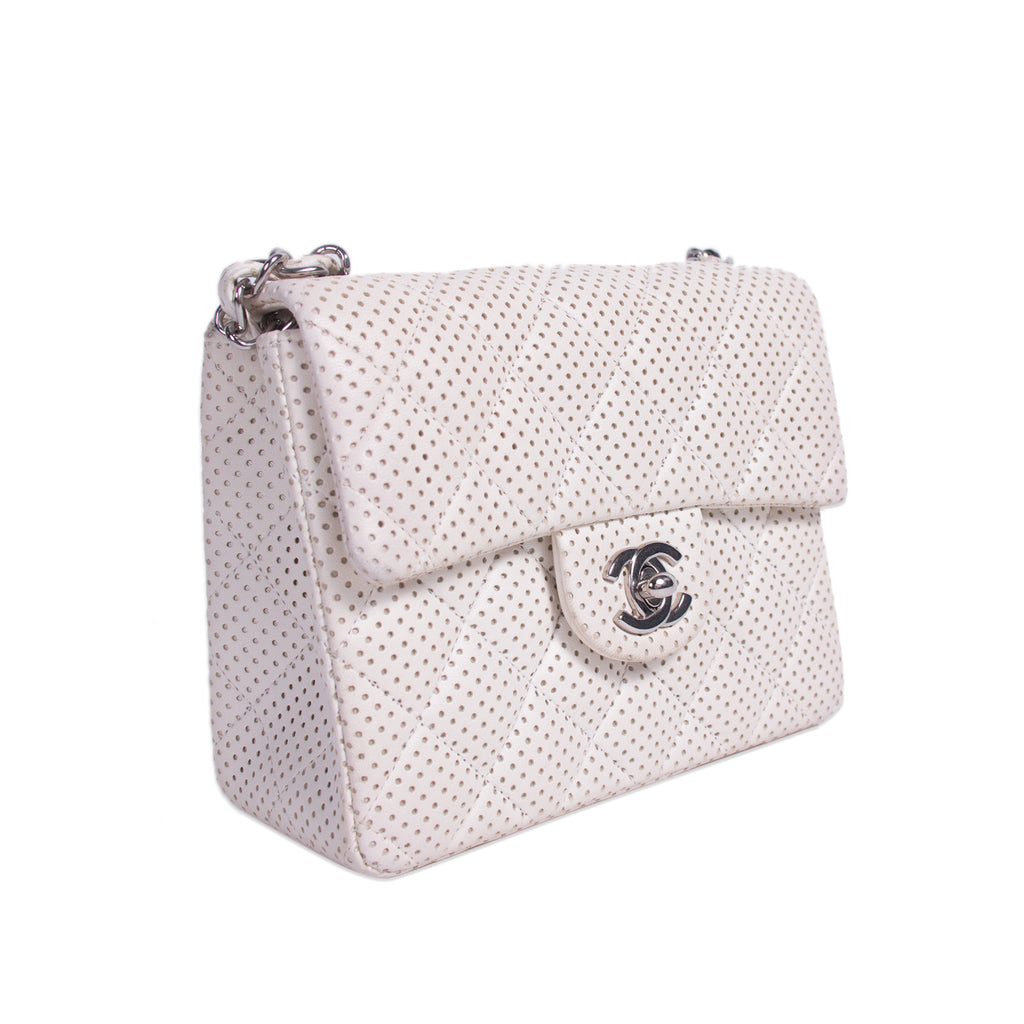 Chanel Classic Square Mini Flap Bag Bags Chanel - Shop authentic new pre-owned designer brands online at Re-Vogue