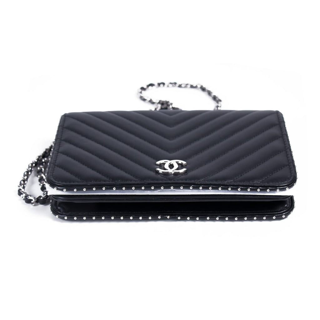 c6a06d93af69a0 Shop authentic Chanel Studded Wallet on Chain at revogue for just ...