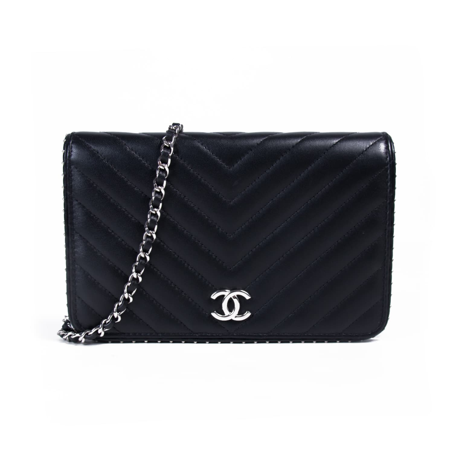 63326ce8a89 Shop authentic Chanel Studded Wallet on Chain at revogue for just USD  1