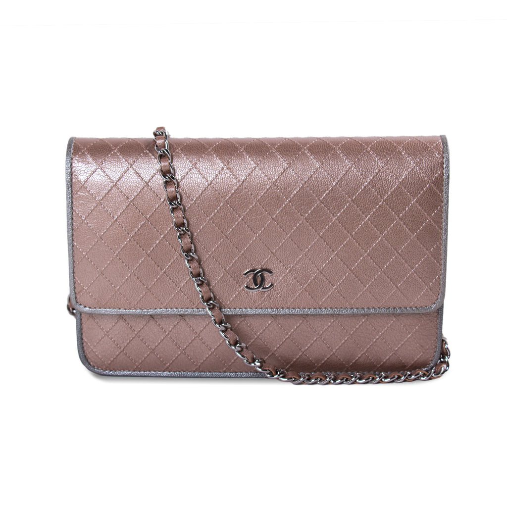 a2e6f1a3591f Shop authentic Chanel Diamond Stitch Wallet on Chain at revogue for just  USD 1