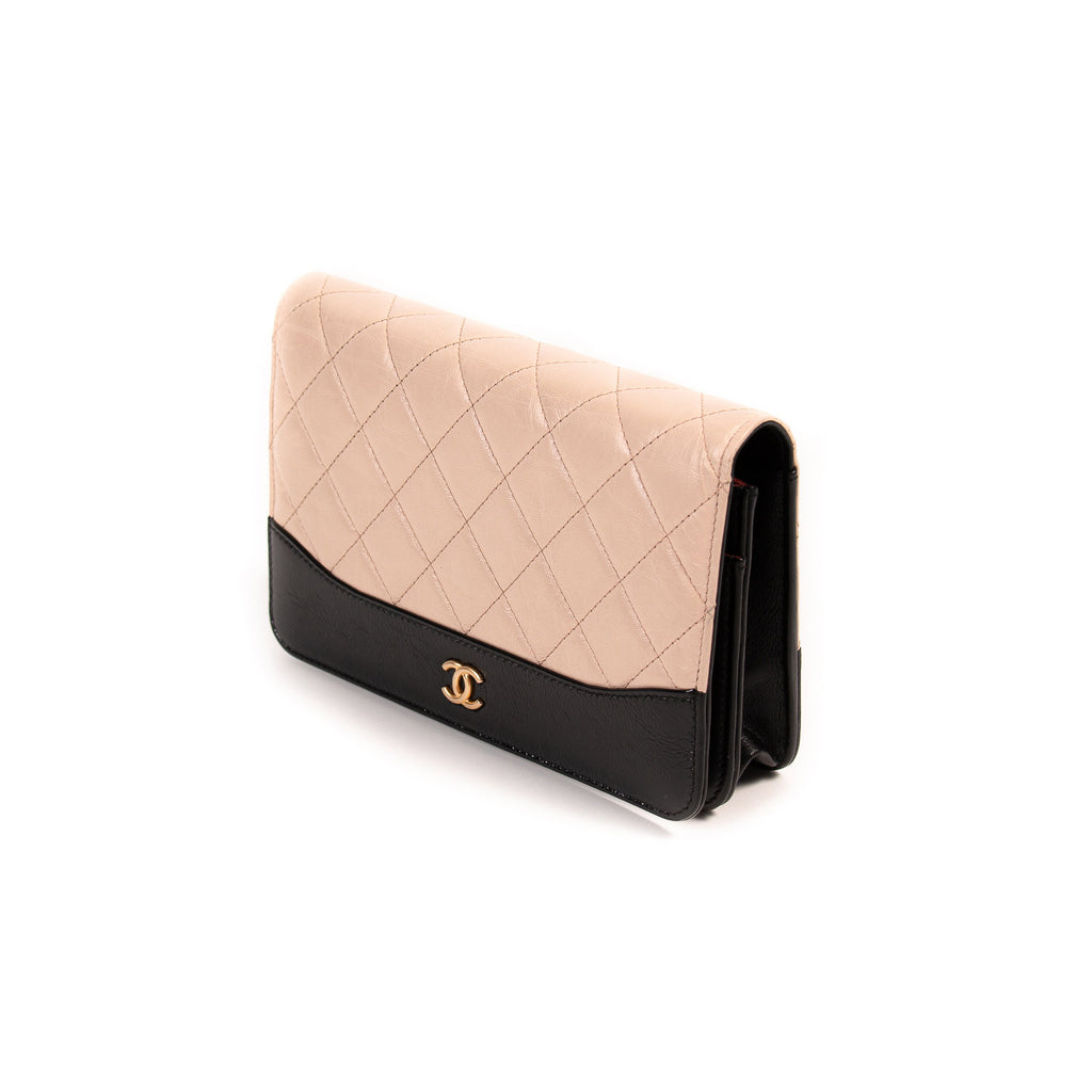 Chanel Bi-Color Wallet on Chain Bags Chanel - Shop authentic new pre-owned designer brands online at Re-Vogue