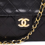 Chanel Classic Quilted Chain Shoulder Bag Bags Chanel - Shop authentic new pre-owned designer brands online at Re-Vogue