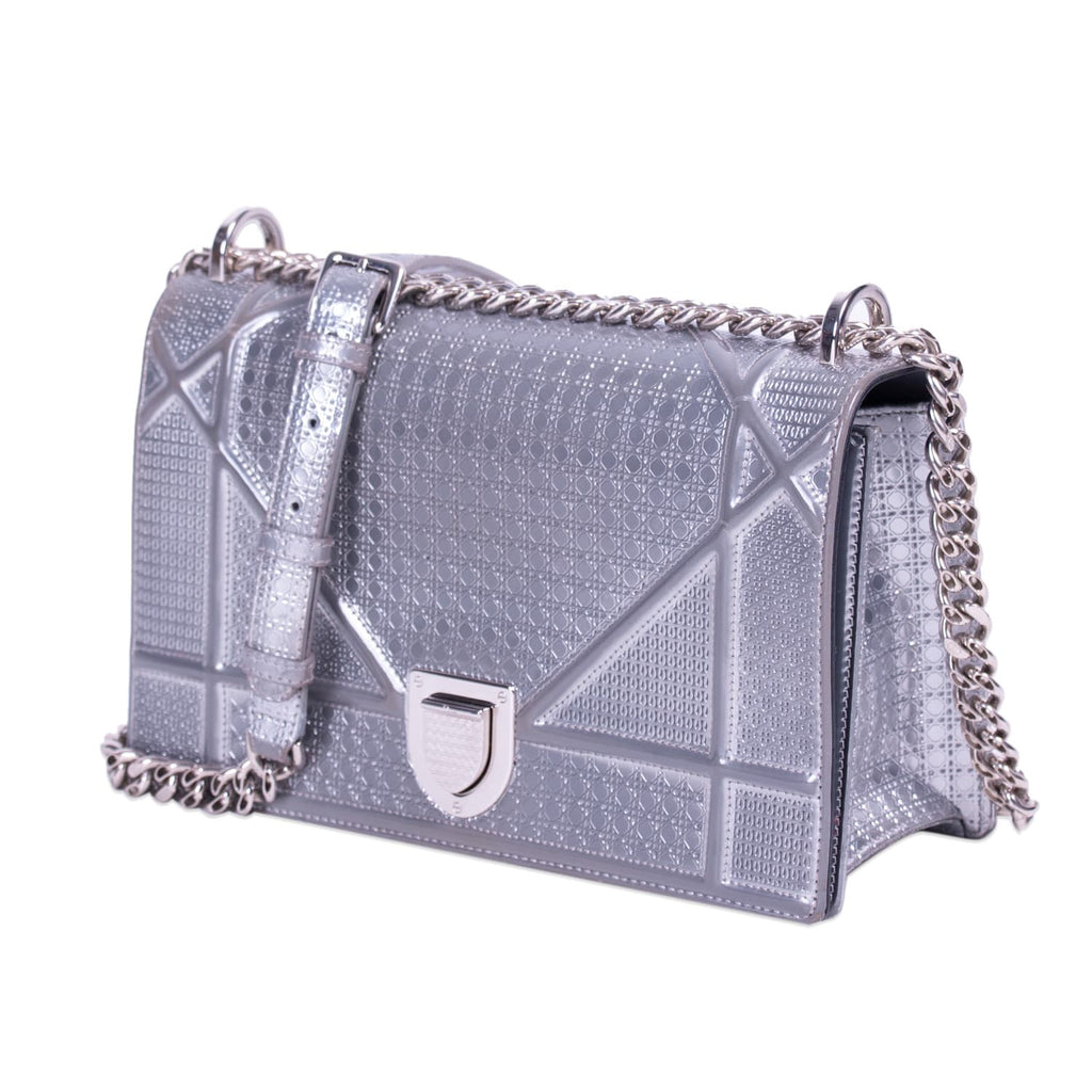 Christian Dior Diorama Medium Shoulder Bag Bags Dior - Shop authentic new pre-owned designer brands online at Re-Vogue