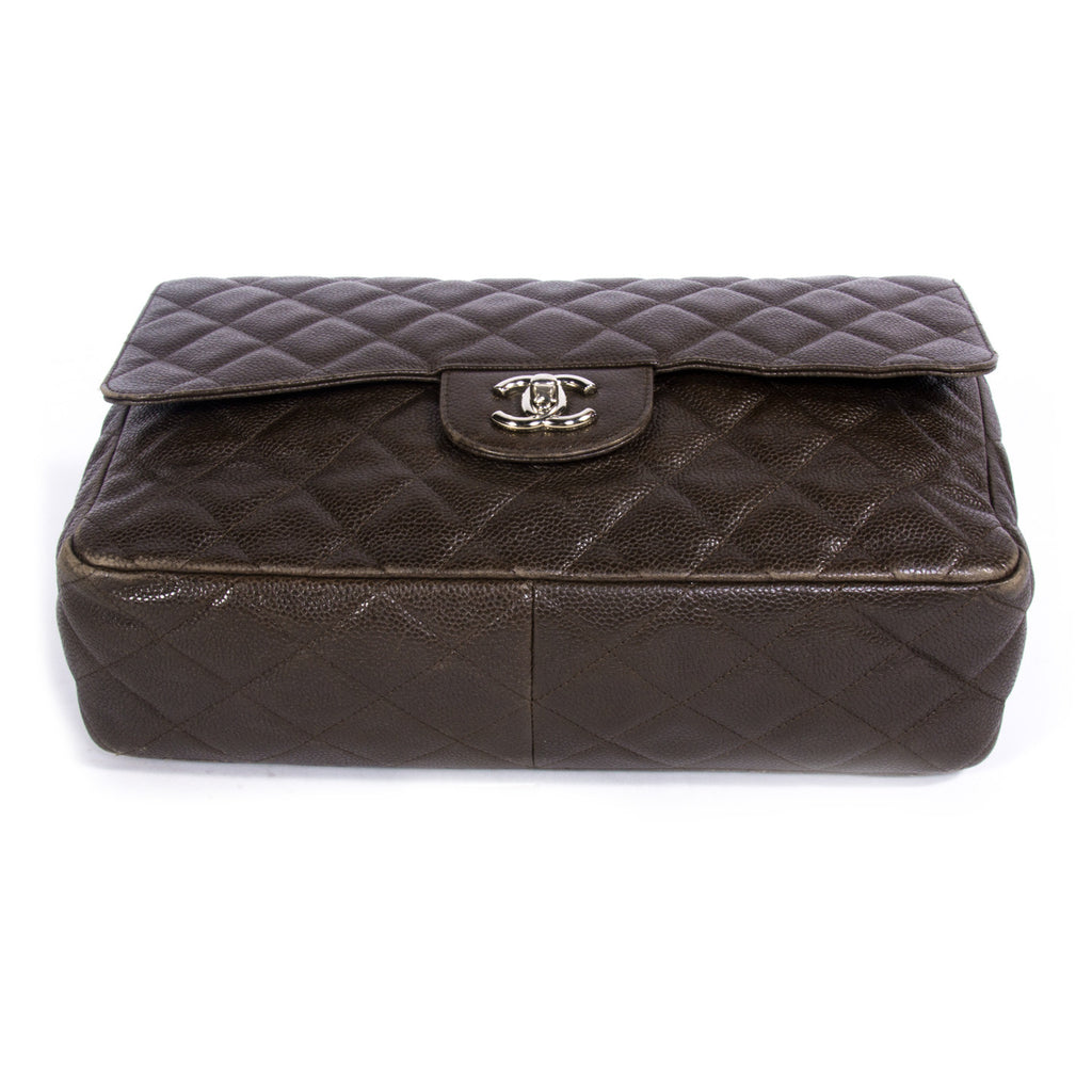 Chanel Jumbo Classic Single Flap Bags Chanel - Shop authentic new pre-owned designer brands online at Re-Vogue