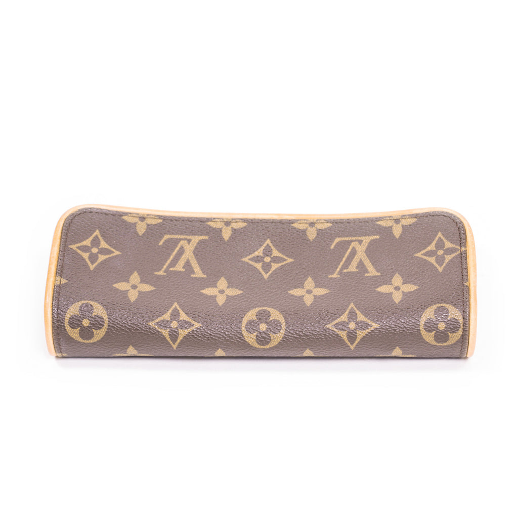 Louis Vuitton Twin PM Pochette Bags Louis Vuitton - Shop authentic new pre-owned designer brands online at Re-Vogue