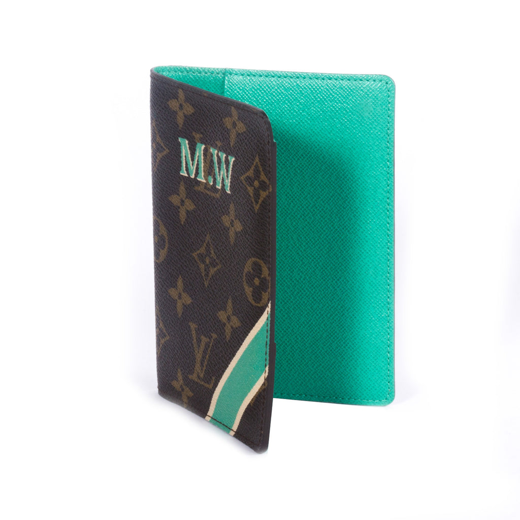 Louis Vuitton Monogram Passport Cover Accessories Louis Vuitton - Shop authentic pre-owned designer brands online at Re-Vogue