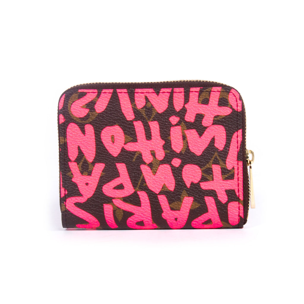 Louis Vuitton Graffiti Zippy Wallet Accessories Louis Vuitton - Shop authentic new pre-owned designer brands online at Re-Vogue
