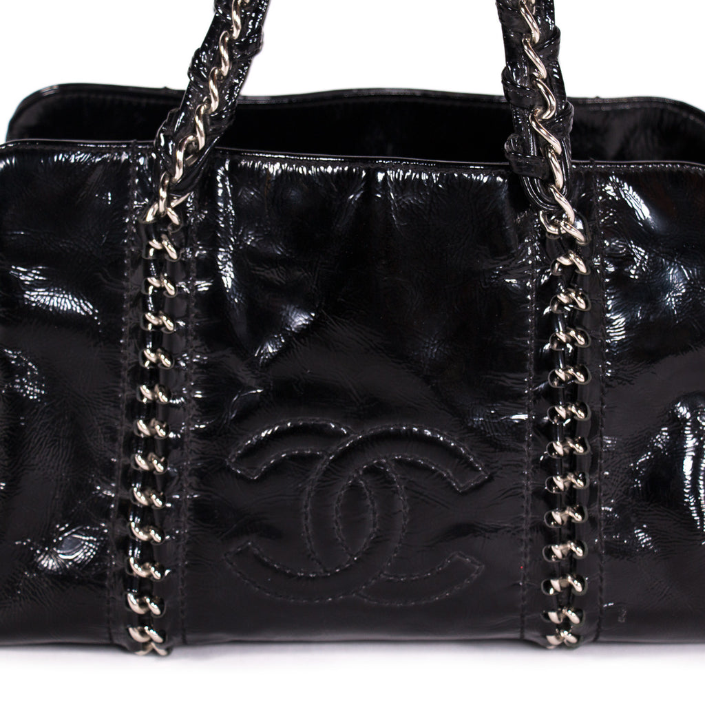 Chanel Luxe Ligne Tote Bags Chanel - Shop authentic new pre-owned designer brands online at Re-Vogue
