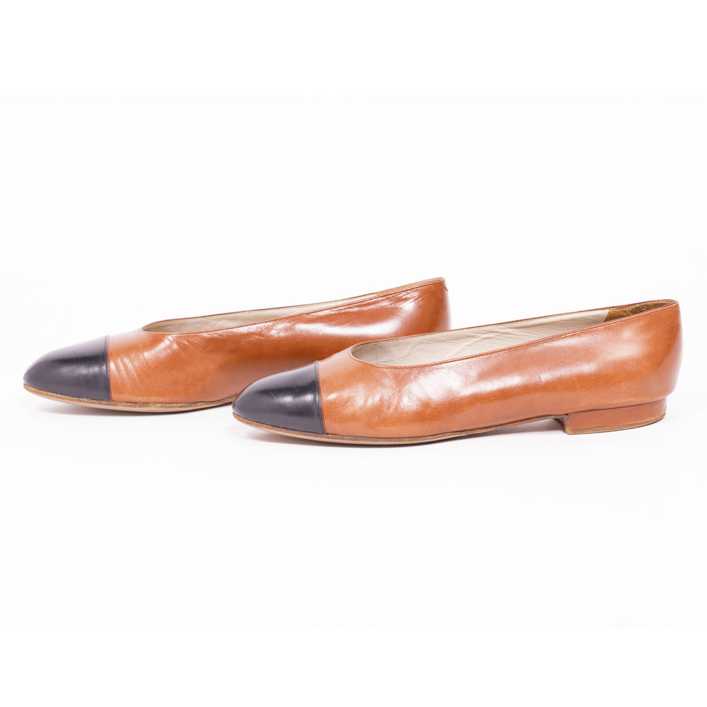 Chanel Cap-Toe Flats Shoes Chanel - Shop authentic new pre-owned designer brands online at Re-Vogue