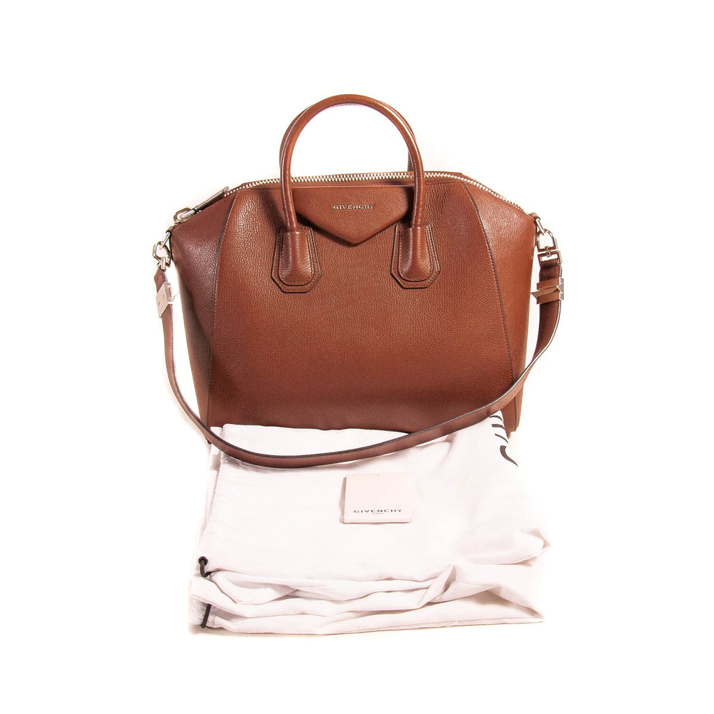 Givenchy Medium Antigona Stachel Bag Bags Givenchy - Shop authentic new pre-owned designer brands online at Re-Vogue