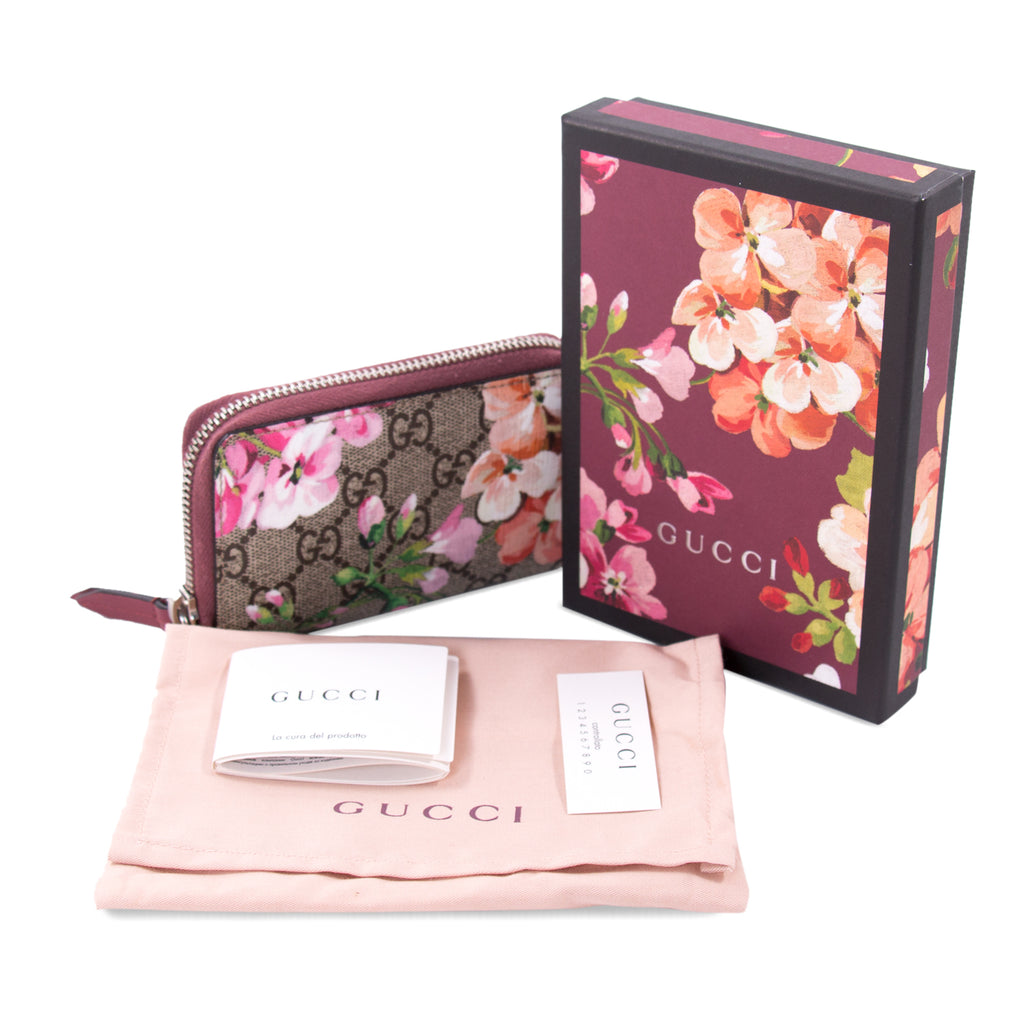 Gucci Blooms Zipper Card Case Accessories Gucci - Shop authentic new pre-owned designer brands online at Re-Vogue