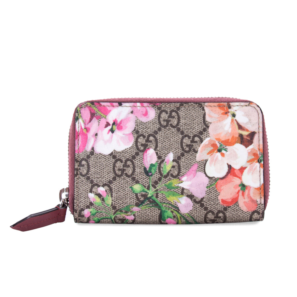 a5a5dd5c1cb Shop authentic Gucci Blooms Zipper Card Case at revogue for just USD ...