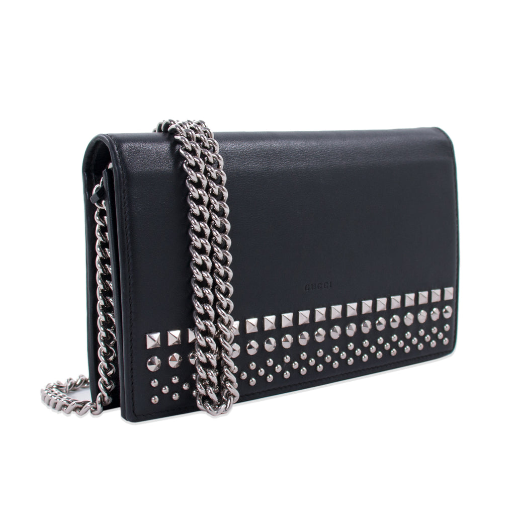 89fb139dc7a1 Shop authentic Gucci Studded Wallet on Chain at Re-Vogue for just ...