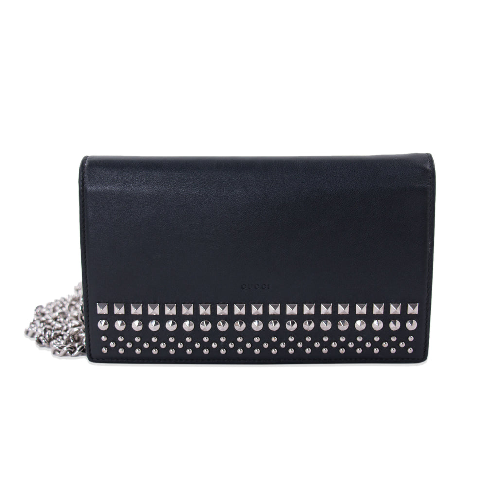 c2f013c1fa0679 Shop authentic Gucci Studded Wallet on Chain at revogue for just USD ...