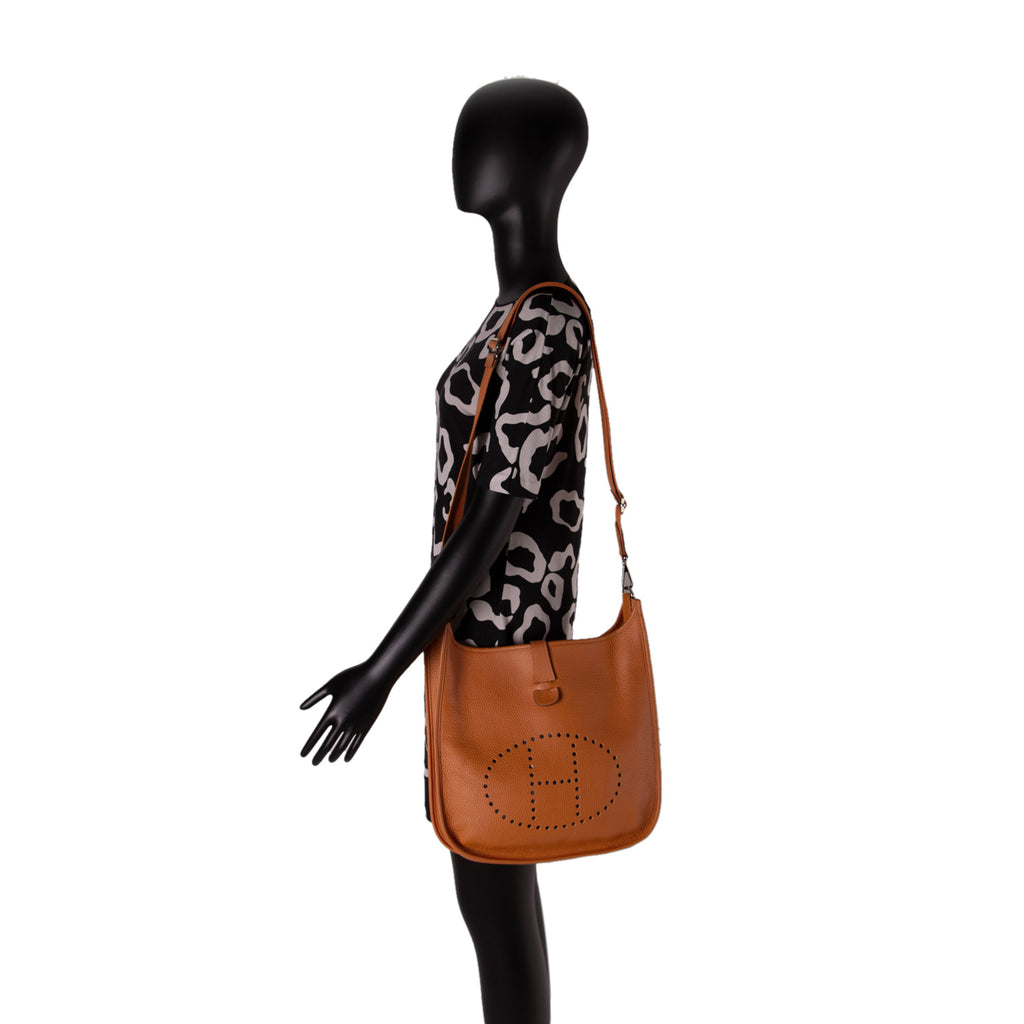 Hermès Evelyne III 29 Clemence Leather Bags Hermès - Shop authentic new pre-owned designer brands online at Re-Vogue
