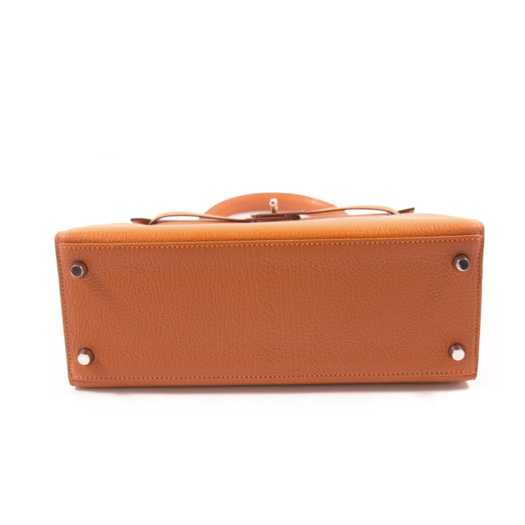 Hermès Kelly 28 Sellier Orange Chevre Mysore Bags Hermès - Shop authentic new pre-owned designer brands online at Re-Vogue