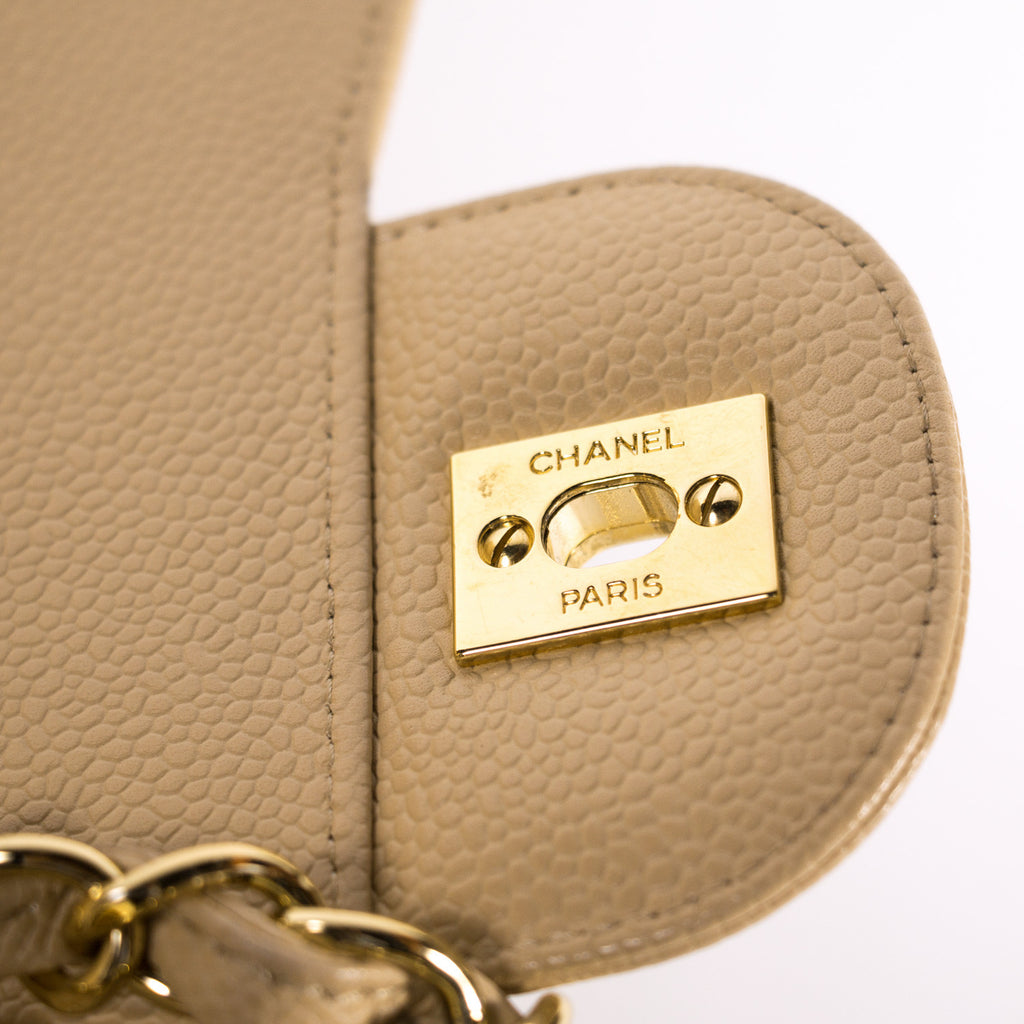 Chanel Caviar Classic Jumbo Double Flap Bag Bags Chanel - Shop authentic new pre-owned designer brands online at Re-Vogue